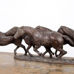 """Grand virage"", sculpture en bronze, dimensions : 63 x 37 x 20 cm"